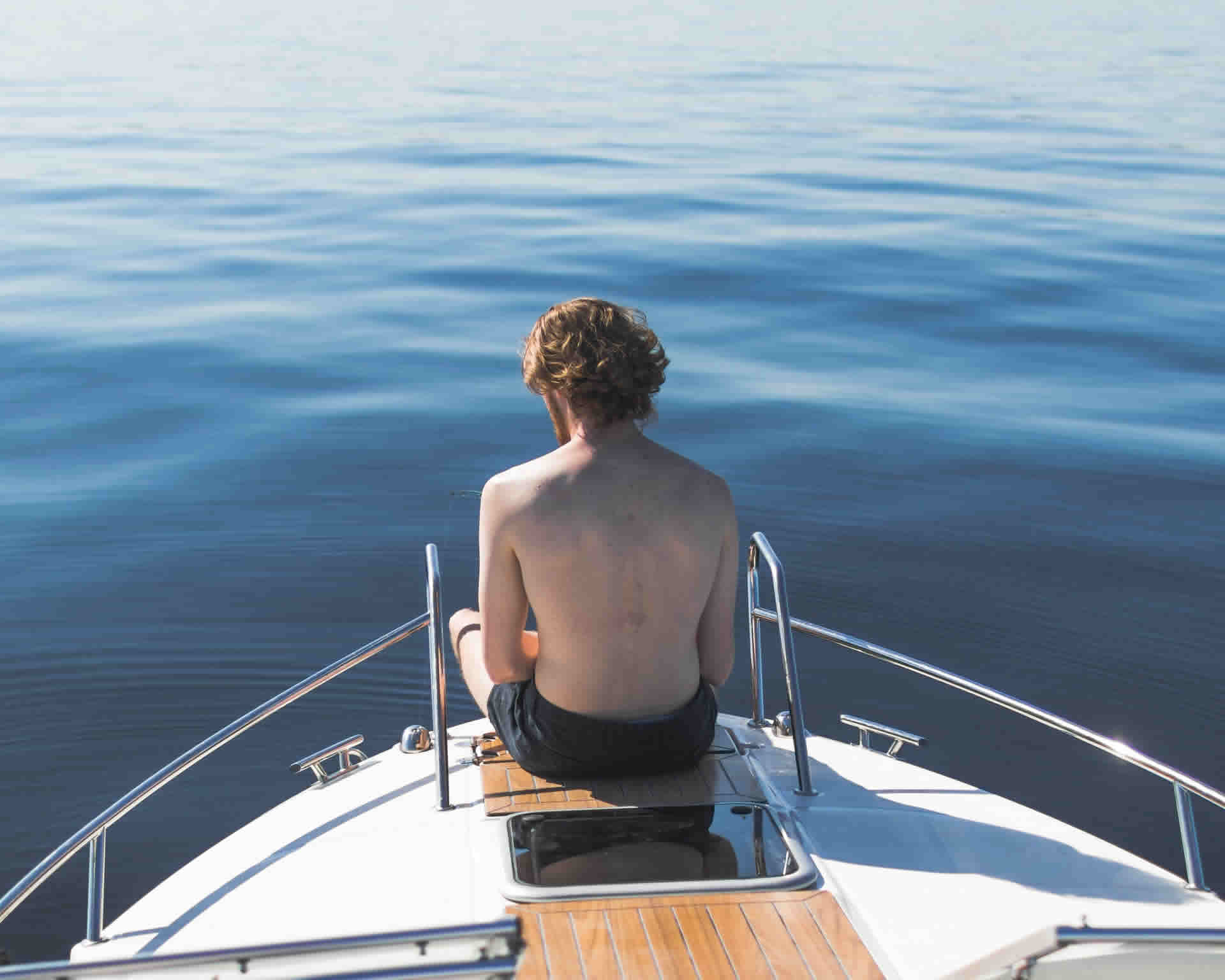 Boating For Beginners: 5 Tips To Make Your Experience Safe And Enjoyable